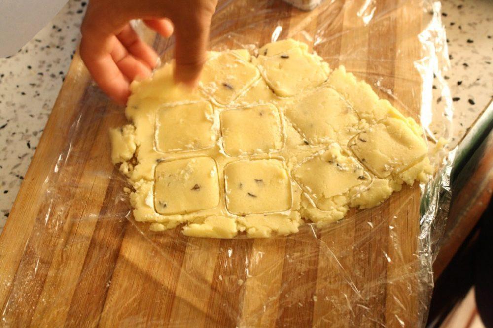 lavender shortbread cookie cut outs #newlywedsurvival