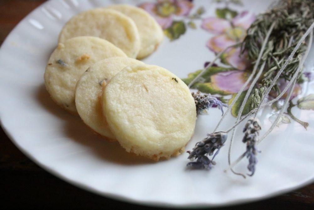 lavender shortbread cookie recipe #newlywedsurvival