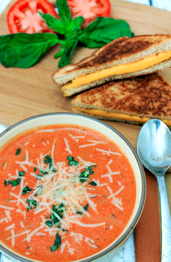 Slow-Cooker-Tomato-Soup