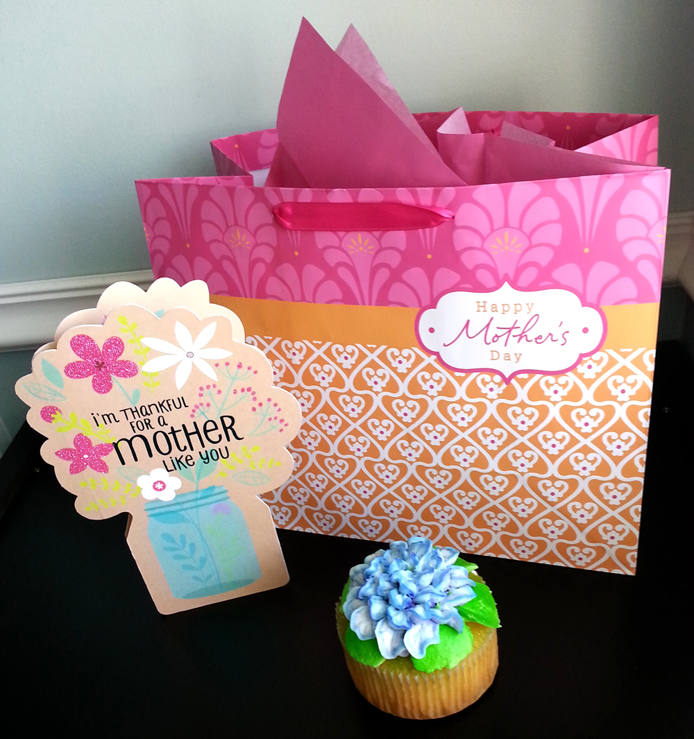 American Greetings One-Stop Shop at @Walmart can inspire the #BestMomsDayEver #ad