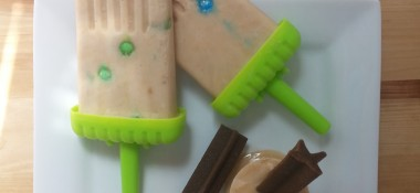 Peanut Butter Swirl Ice Pops – For You and Your Dog!