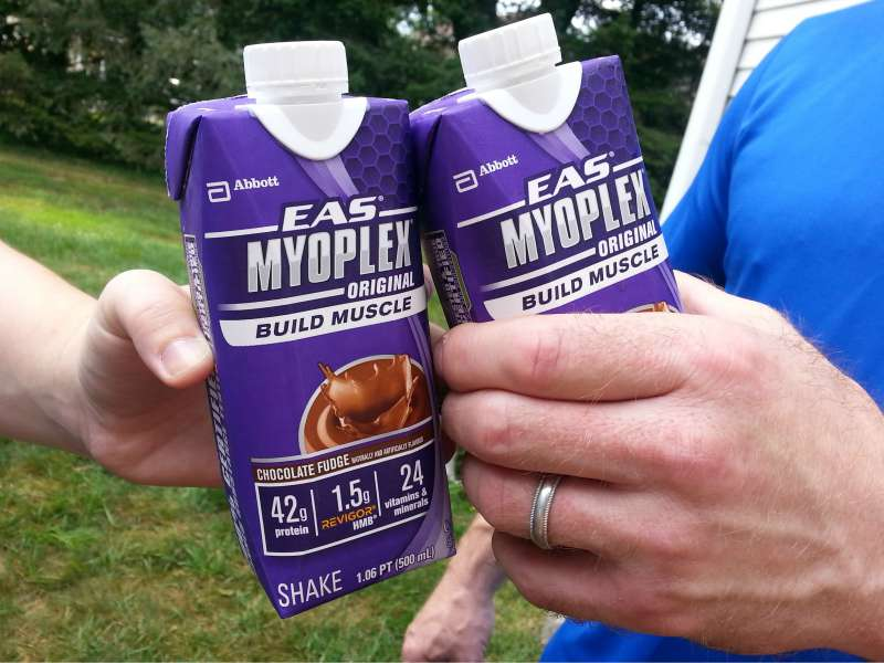 My husband and I enjoy EAS Myoplex after a workout #PowerInProtein #CollectiveBias @Walmart