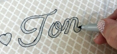 Trace outline of letters with a thin sharpie #KYTrySomethingNew #cbias
