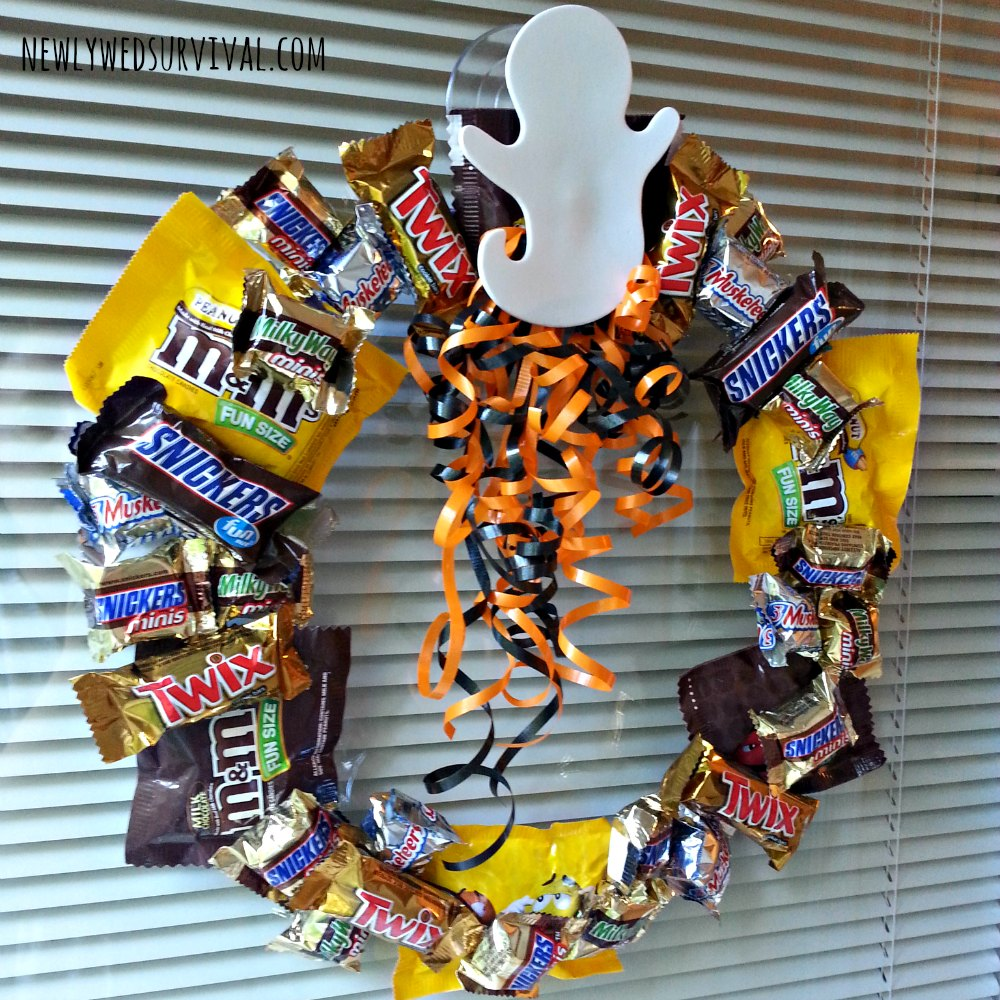 How to make a Halloween candy wreath step 5 #BOOItForward