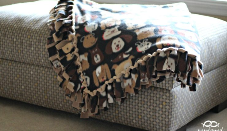 Easy DIY No-Sew Fleece Blanket without the Bulky Knots!