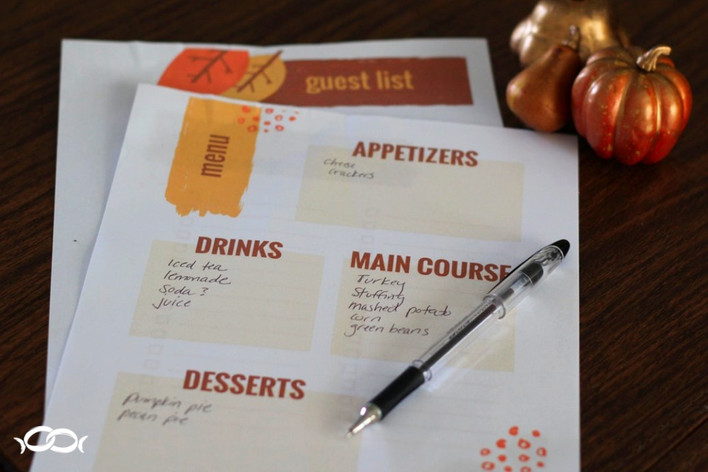 Stress less at Thanksgiving - Plan ahead of time. Use this free printable menu planner