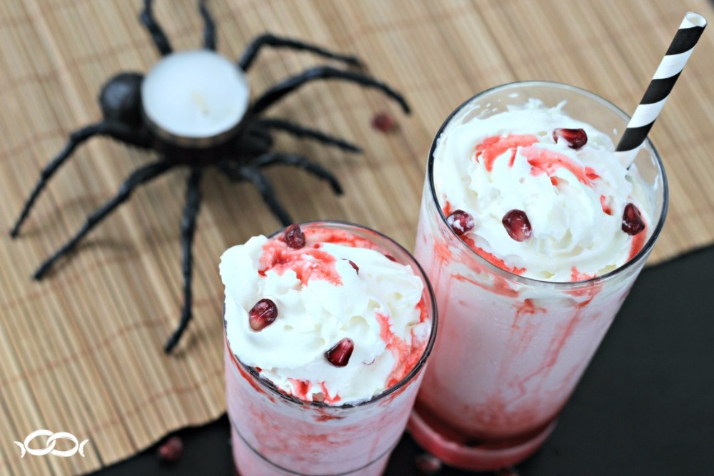 Pomegranate S'Cream Soda - A scary good Halloween drink